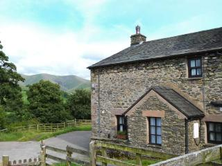 BOWER HOUSE, enclosed garden, solid fuel stove, character charm throughout, in Firbank, Ref 15096 - Sedbergh vacation rentals