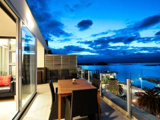 Sea Eagle - Nelson Waterfront Penthouse - Nelson-Tasman Region vacation rentals