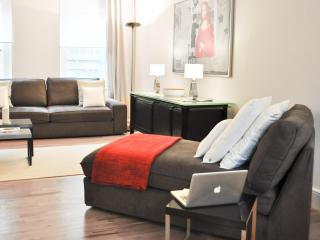 Luxury 2bed/2bath COVENT GARDEN PEARL/2min to tube - London vacation rentals