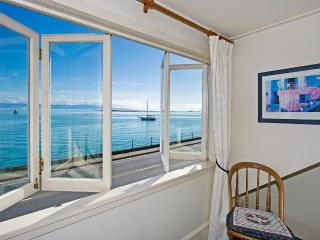 Captain's Cottage - Nelson Waterfront Charmer! - Nelson-Tasman Region vacation rentals