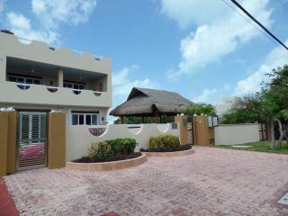 Paraiso Sur-Three Bedroom, Pool, Rooftop Jacuzzi - Isla Mujeres vacation rentals