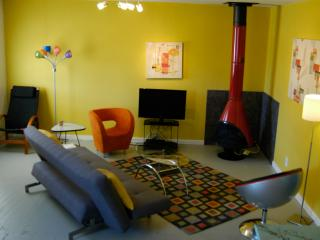 Spacious Eclectic Modern 1 Bdrm - 7 min to Park - Joshua Tree vacation rentals