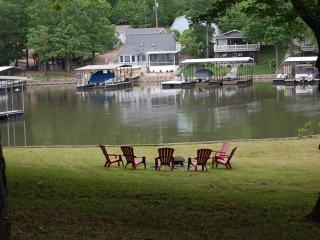 DISCOUNTS on LongTerm 24 Acres Retreat Empty Hill - Lake Ozark vacation rentals
