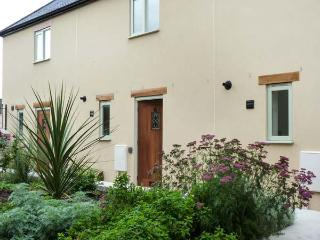 6 MALTHOUSE COURT family-friendly, near to marina, village centre in Watchet Ref 19949 - Watchet vacation rentals