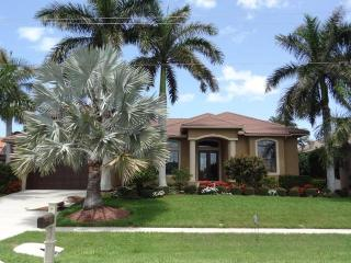 Magnificent 4/3 home with water view - COPPER20 - Marco Island vacation rentals