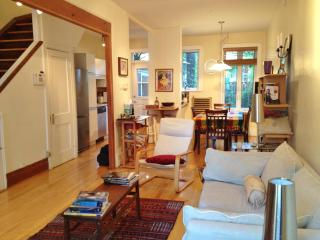 Cozy Townhouse in the Plateau-Mont-Royal - Quebec vacation rentals