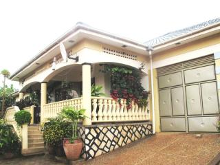 Beautiful Luxurious Kampala Home - Kampala vacation rentals