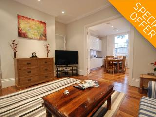 Albert Bridge Apartments - 3BR / 1.5BA - Private Garden - Battersea (2) - London vacation rentals