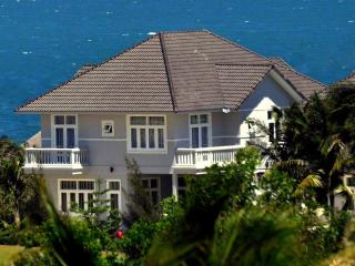 Villa Panda, luxury villa at Sea Links golf resort - Mui Ne vacation rentals