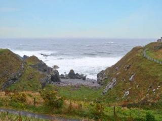 PEARL OF PORTSOY sea views, enclosed garden, wheelchair friendly in Portsoy Ref 19639 - Portsoy vacation rentals