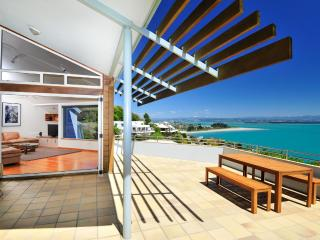 BeachViews - Great Views, Comfort & Convenience! - Nelson-Tasman Region vacation rentals
