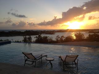 SUMMER SPECIAL!!! 2 minutes from Sapodilla Beach - Sapodilla Bay vacation rentals
