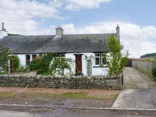FINCRAIG'S FARM COTTAGE, all ground floor cottage,  with off road parking, and garden, in Newport-on-Tay, Ref 17745 - Newport-on-Tay vacation rentals