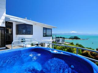 Ocean Dreaming- 4 bedrooms and MAGICAL VIEWS... - Nelson-Tasman Region vacation rentals