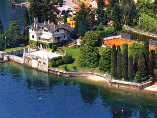 Gracious luxury villa directly on lake Maggiore - Piedmont vacation rentals