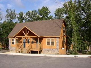 Romantic Fun New Luxury Cabin Stonebridge Pro Golf - Branson vacation rentals