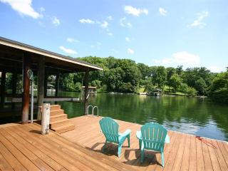 Best Location on the Lake - Your Retreat Awaits - Moneta vacation rentals