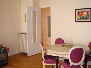 Nice Center Lg LOVELY 2BR 20M TERRACE FREE PARKING - Nice vacation rentals