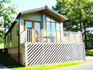 TAMARACK LODGE, Hillside Park, Pooley Bridge, Nr Ullswater - Keswick vacation rentals