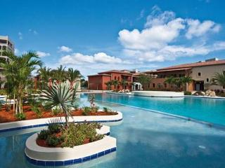 Plaza Vue at Porto Cupecoy, Saint Maarten - Marina & Plaza View, Communal Pool, Walk To Beach - Cupecoy vacation rentals
