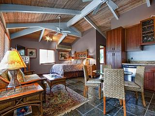 Quaint upscale bungalow in oceanfront estate - Kailua-Kona vacation rentals