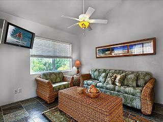 2 bedroom, 2 bath upscale bungalow in an oceanfront estate - Kailua-Kona vacation rentals