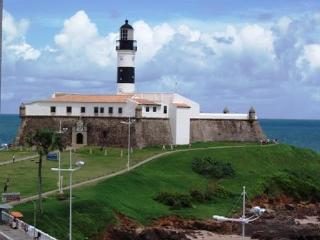 Facing Farol de Barra & the Ocean - Salvador vacation rentals