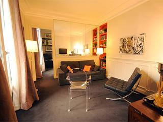 Mouffetard-Monge - by Holidays France Rentals - Paris vacation rentals