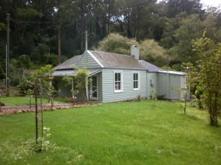 Bowral Cottage and The Barn, Southern Highlands - Bowral vacation rentals