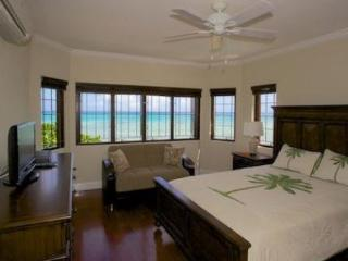 PARADISE PMT - 86332 - BRAND NEW | BEAUTIFULLY PRESENTED | BEACHFRONT VILLA - SILVER SANDS - Montego Bay vacation rentals