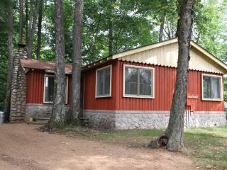 Ridgewood - A Classic Northwoods Cottage - Wisconsin vacation rentals