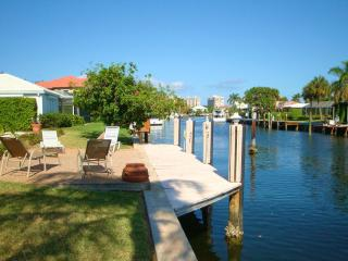 Spacious Tropical Waterfront Pool Home - Fort Lauderdale vacation rentals
