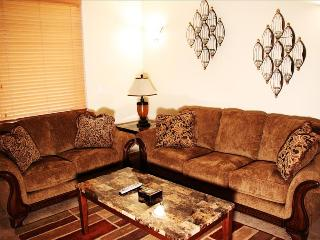 Pine Creek F4: Enjoy Access to All Major Ski Resorts, Relax in a Beautiful Mountain Setting - Park City vacation rentals