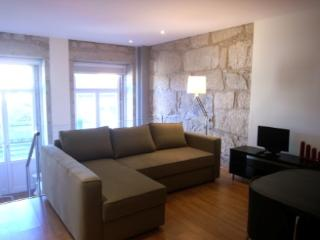 Apartment in Oporto 17 - managed by travelingtolisbon - Northern Portugal vacation rentals