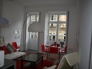 Apartment in Oporto 27 - managed by travelingtolisbon - Northern Portugal vacation rentals