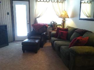 Walk to Lifts/ Mountain Biking at your door-Best Location! 2 Bed/2Ba Sleeps 8! Jacuzzi after your day! BW53 - Brian Head vacation rentals