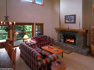 Mark Lear - British Columbia Mountains vacation rentals