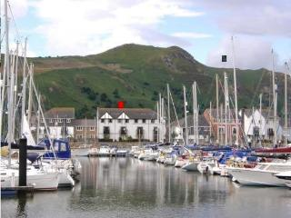 YR ANGORFA Conwy Marina Sea Views Dog Friendly - Conwy vacation rentals