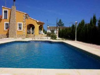 Costa Blanca Villa. 3 Bed. Private Pool, A/C, WiFi - Jalon vacation rentals