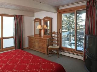 4 bedroom condo in the heart of Snowmass - Snowmass vacation rentals