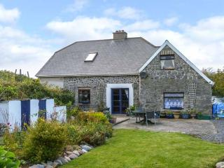 THE OLD SCHOOL HOUSE, quirky, character, open fire, garden, bay views, Carrowholly, Westport Ref 20314 - Westport vacation rentals