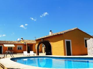 Costa blanca. 3 bedrooms. Private pool. A/C. Wi-Fi - Jalon vacation rentals