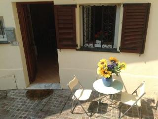 Heart of historical town charming on local square - Villefranche-sur-Mer vacation rentals