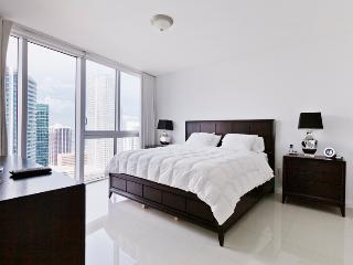 Sky City at Icon Brickell 2-bedroom- 42nd floor! - Miami vacation rentals
