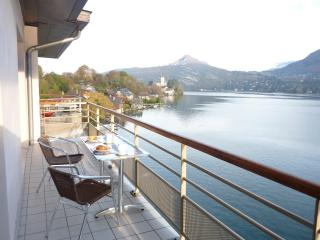 Spectacularly located on the shore of Lake Annecy. - Duingt vacation rentals