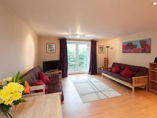 Cables Wynd Apartment - Edinburgh vacation rentals