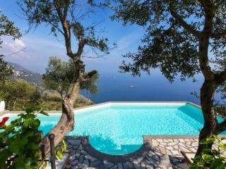 4 Bedroom villa with private pool, sea view, wi-fi - Sant'Agata sui Due Golfi vacation rentals