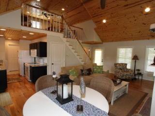 Mill Springs Cabins, Lakeside with Hot tub! - Brookport vacation rentals