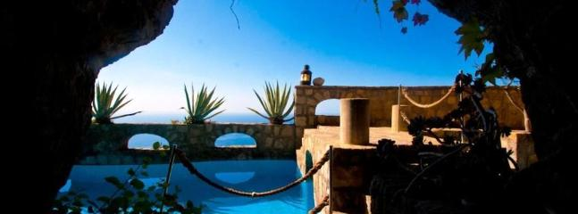 4 Bedroom villa, wonderful seaview & private pool - Image 1 - Naples - rentals