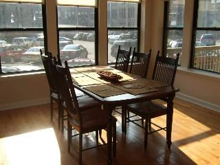 3BR/2BA Lux Condo, 1/2 Block Frm Lakeshore Drive - Chicago vacation rentals